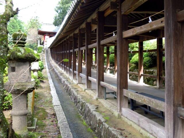 吉備津神社の回廊の写真
