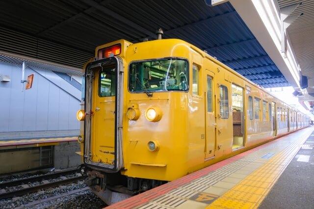姫路以西では4両~7両の短い列車に乗ることになります